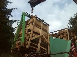 Skládání dřeva